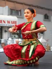 Bharatanatyam_dancer